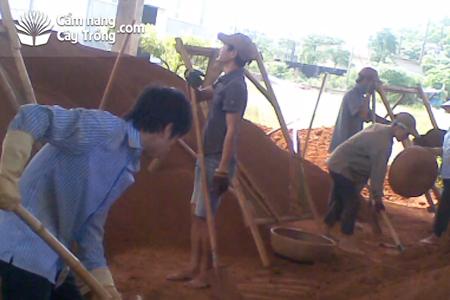 Sàng phân loại đất làm mạ khay