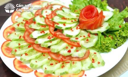 Món Salat dưa leo cà chua hấp dẫn